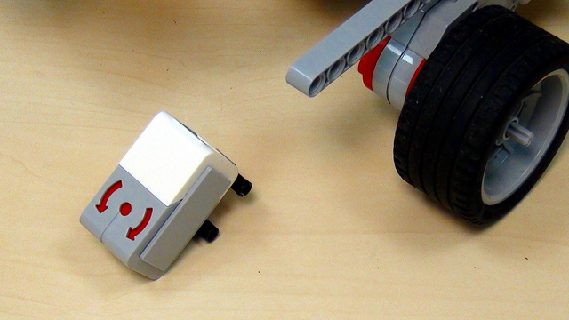 Image for EV3 basics course. Gyro Sensor. Mounting the sensor vertically (part 4)