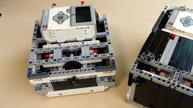 Preview for Box Robot Two. Use of the three LEGO Mindstorms EV3 motors.