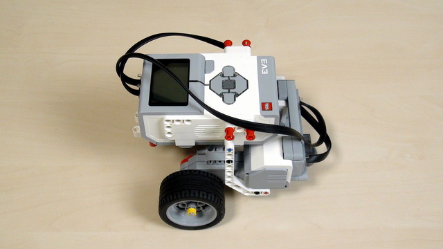 Image for EV3 Phi. Teacher Noter. Building Castor Bot