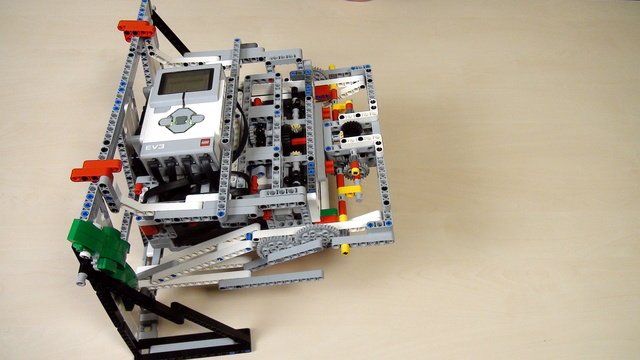 Image for Improving FLL Robot Game. How to attach the lifted robot with a passive attachment
