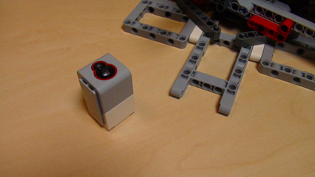 Image for How to use the Light/Color Sensors with the Catapult built from EV3/NXT