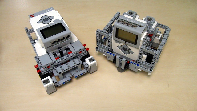 Image for Robot Design Ideas for Chassis with Mindstorms EV3. Base 4